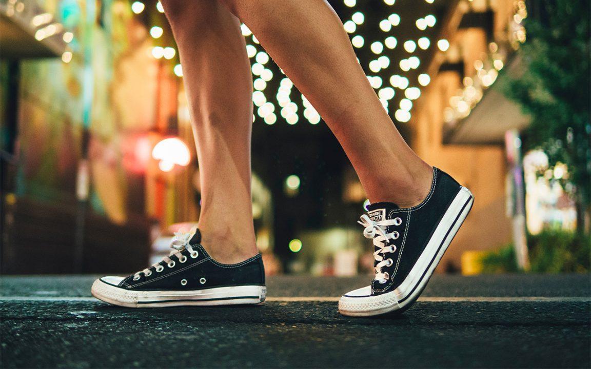 hur får man bort fotsvett i skor