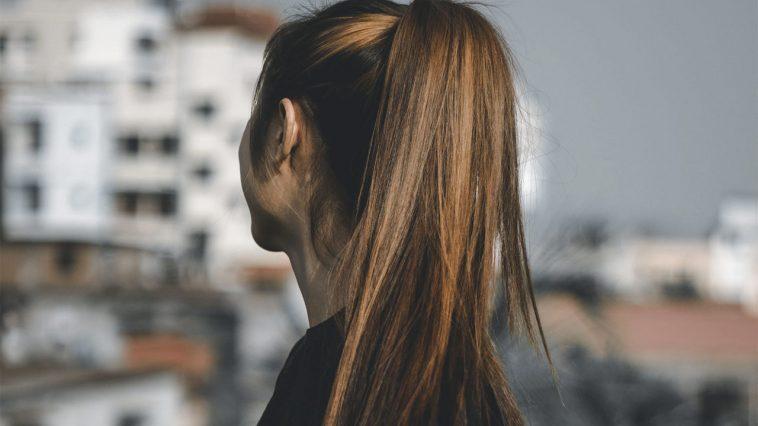 Slinga håret hemma steg för steg