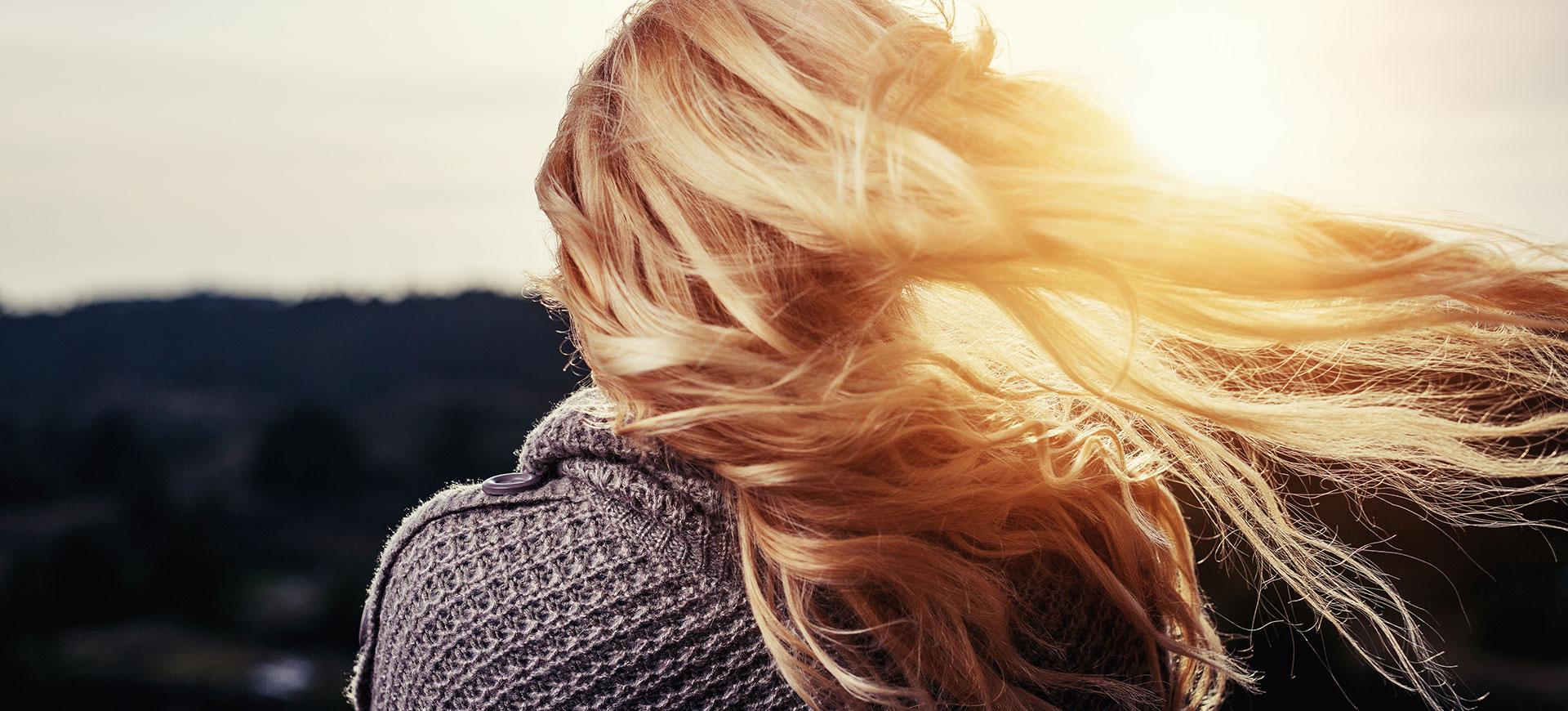 Bästa tipsen - så får du ett torrt och slitet hår att bli glansigt igen