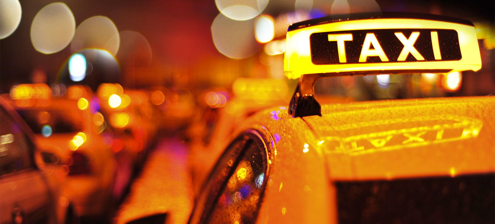 Taxichaufför misstänks ha våldtahit kvinna