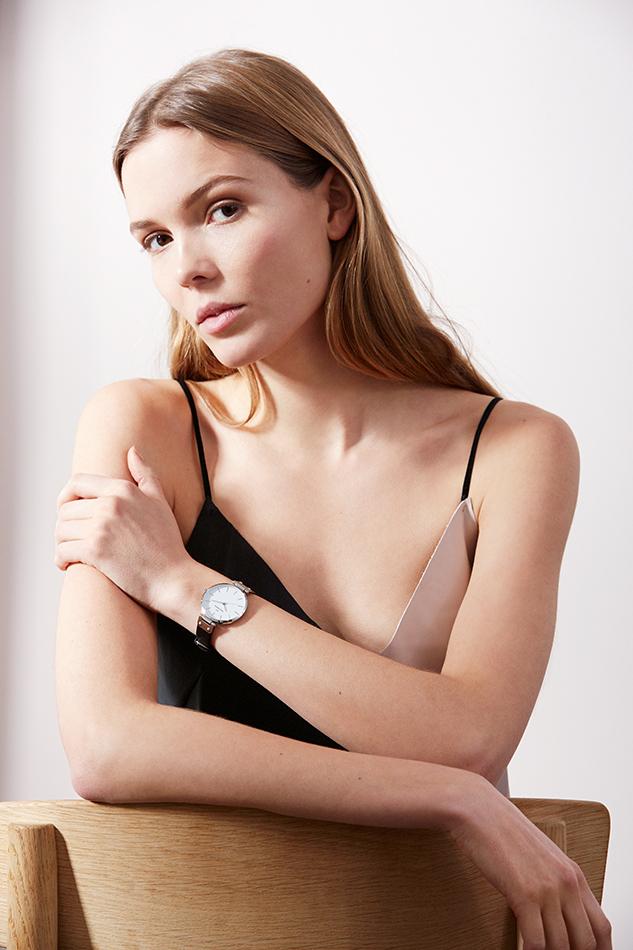 Veckorevyn är återförsäljare av Mockbergs klockor för dam online.