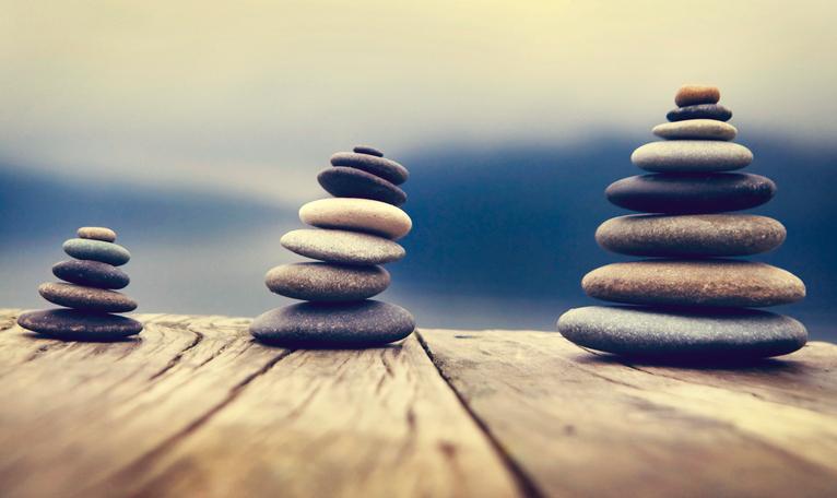 balanserade stenar feng shui