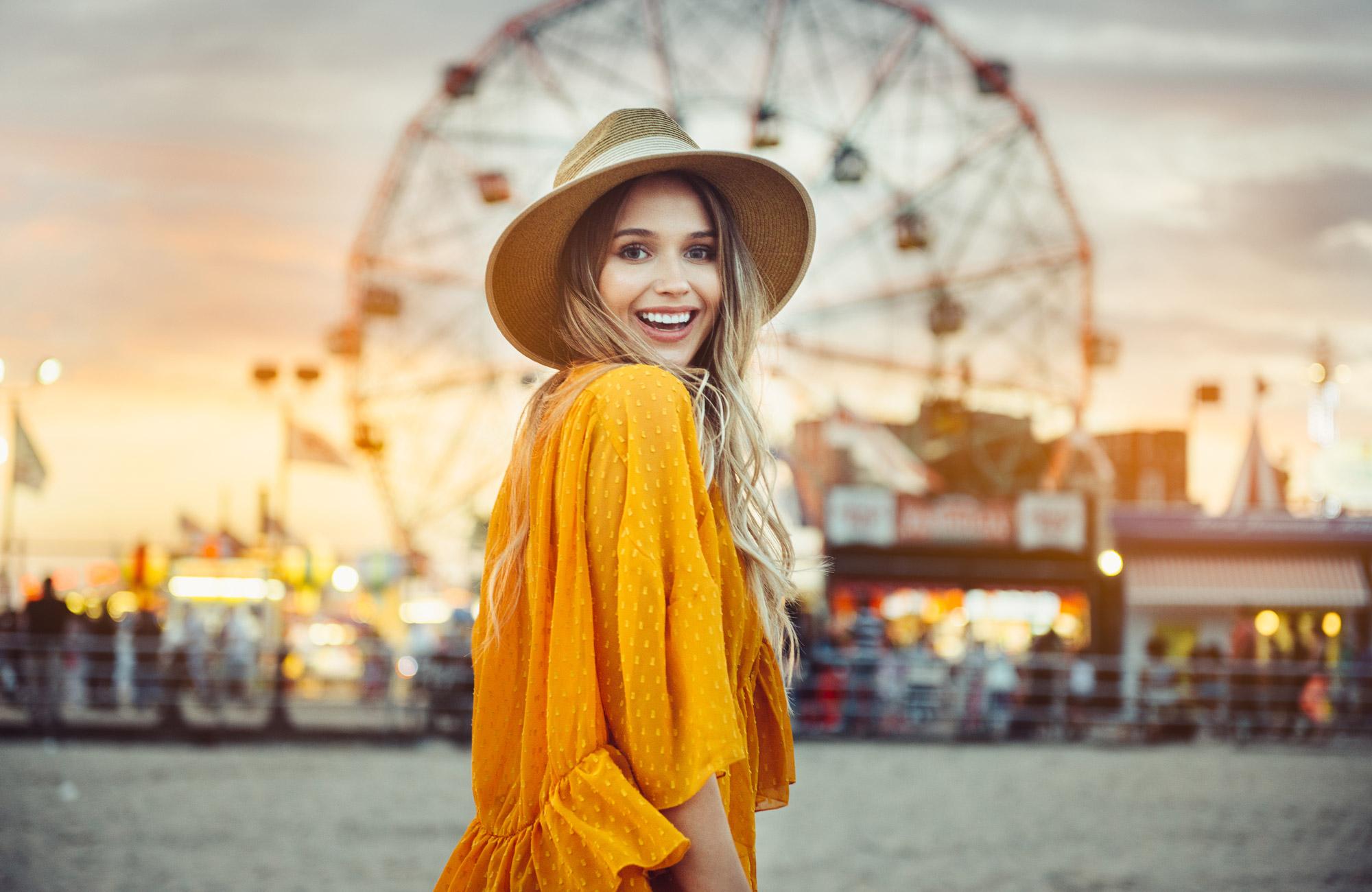 nordea-girl-amusementpark