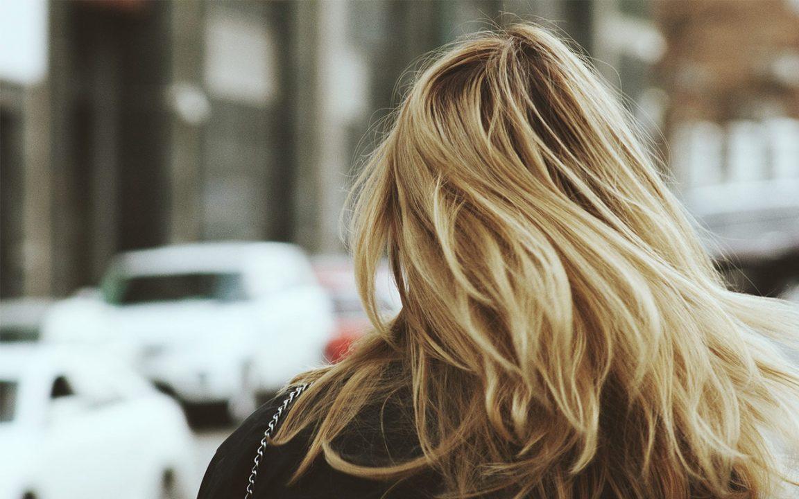 få bort silverschampo ur håret