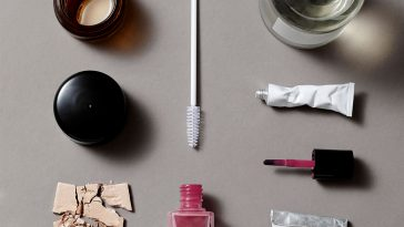 Återvinna kosmetiskt avfall: nagellack, sprayflaskor, hårfärg