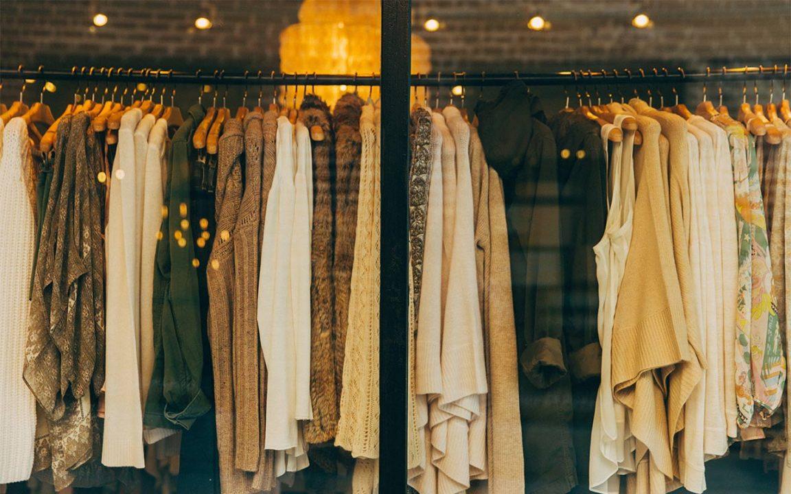 olika storlekar butiker och klädkedjor