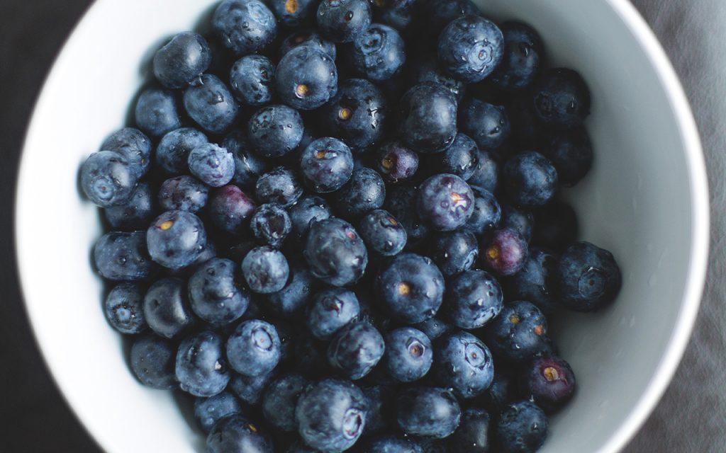 Recept på en knäckig blåbärspaj