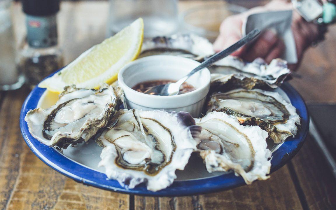 Hur äter man ostron?