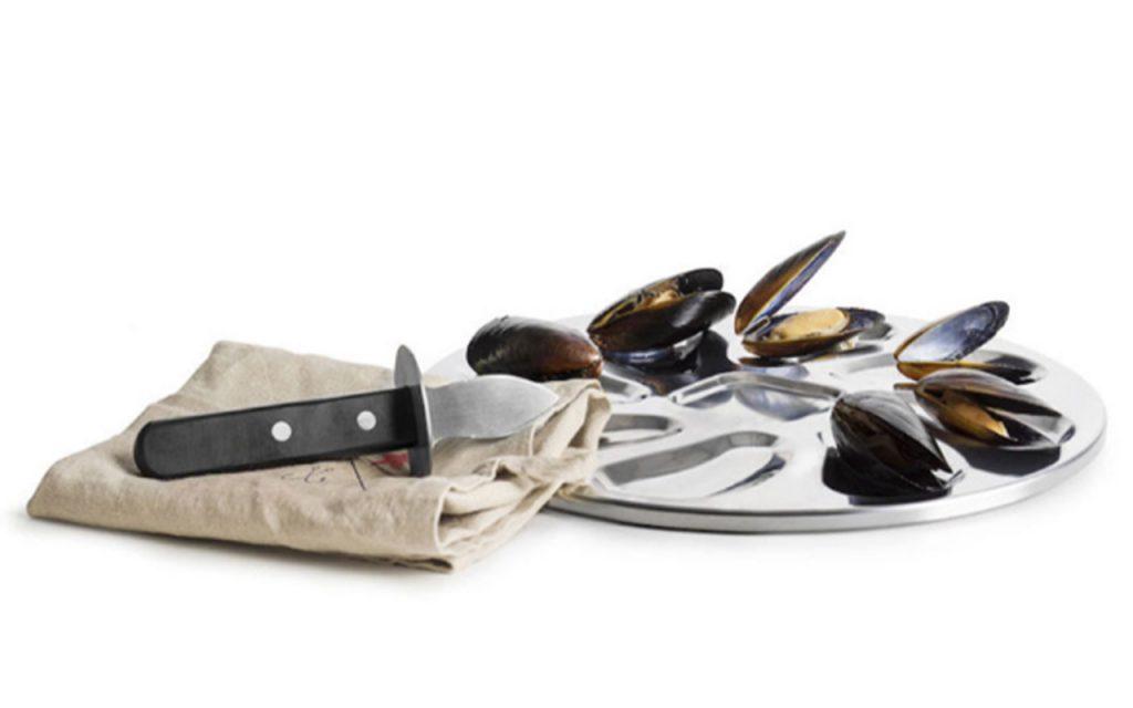 Hur öppnar man ett ostron med en ostronkniv?