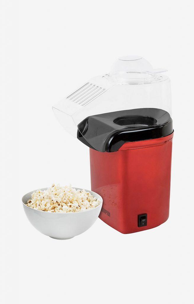 Hur poppar man popcorn i en popcornmaskin?