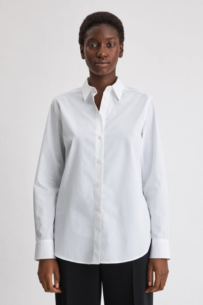 Så bygger du din perfekta kapselgarderob med skjorta för dam