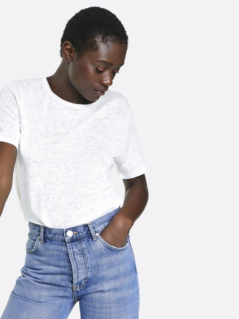 Så bygger du din perfekta kapselgarderob med t-shirt för dam