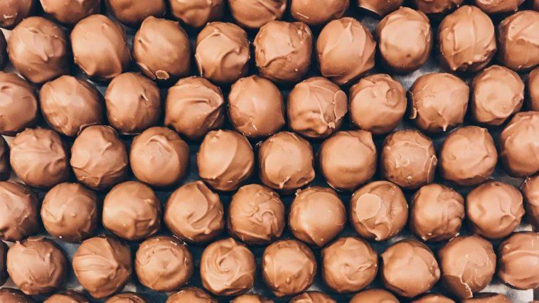 chokladtryffel med kolasmak