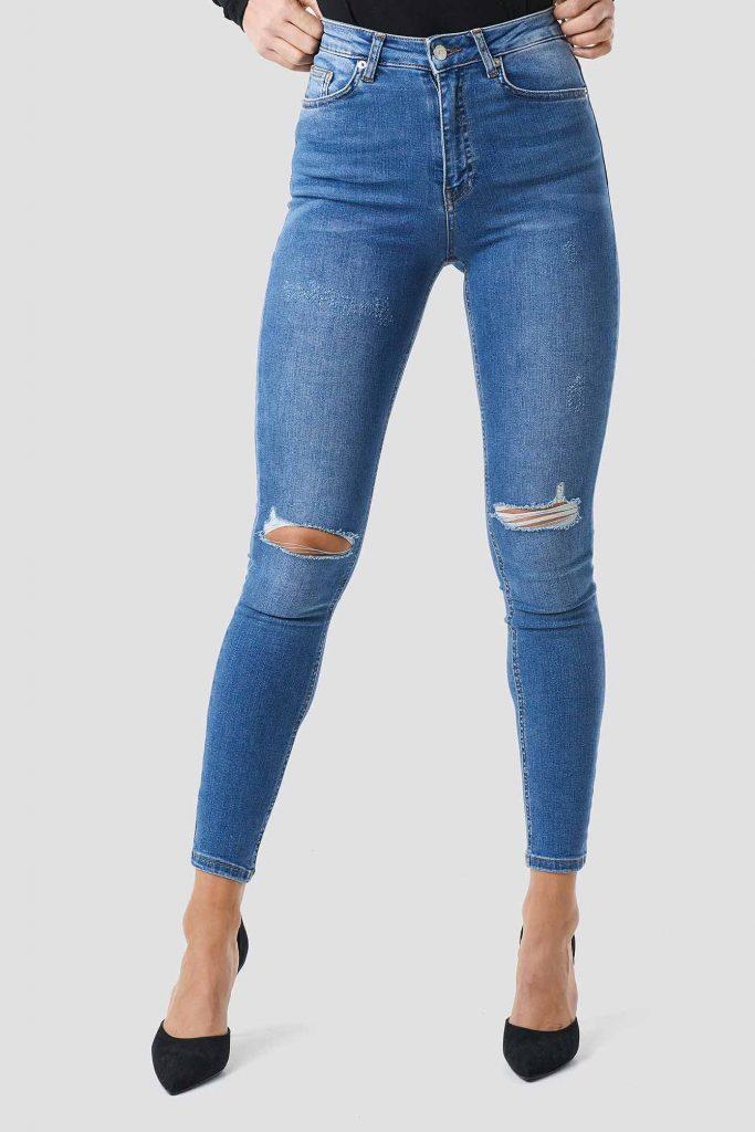 Blå ripped jeans