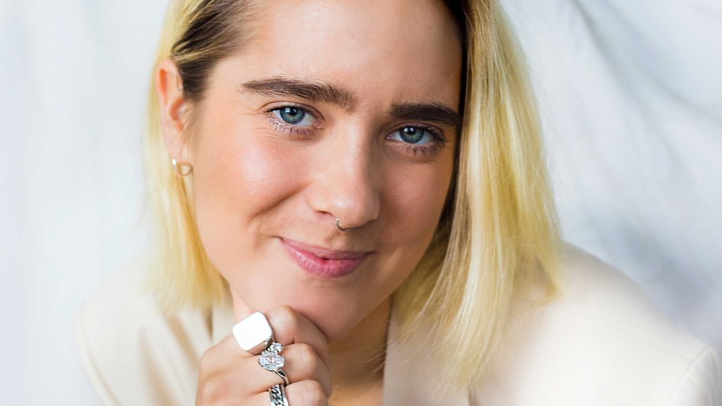 Julia Alfrida artist Melodifestivalen 2021
