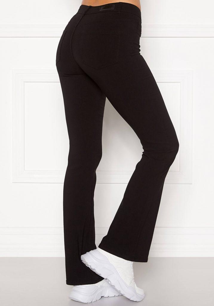 Svarta utsvängda jeans