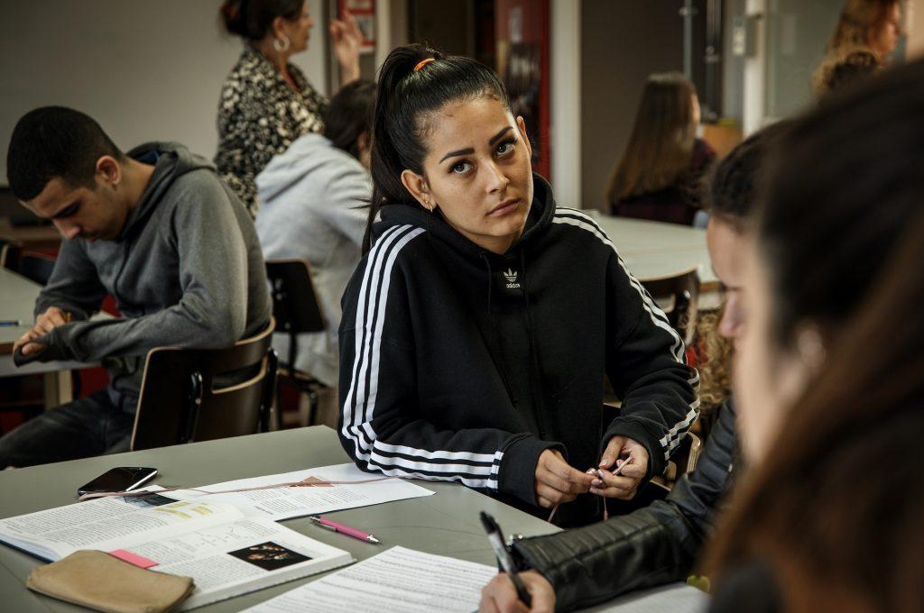 Nora Rios är nya stjärnskottet i SVT serien Kalifat.