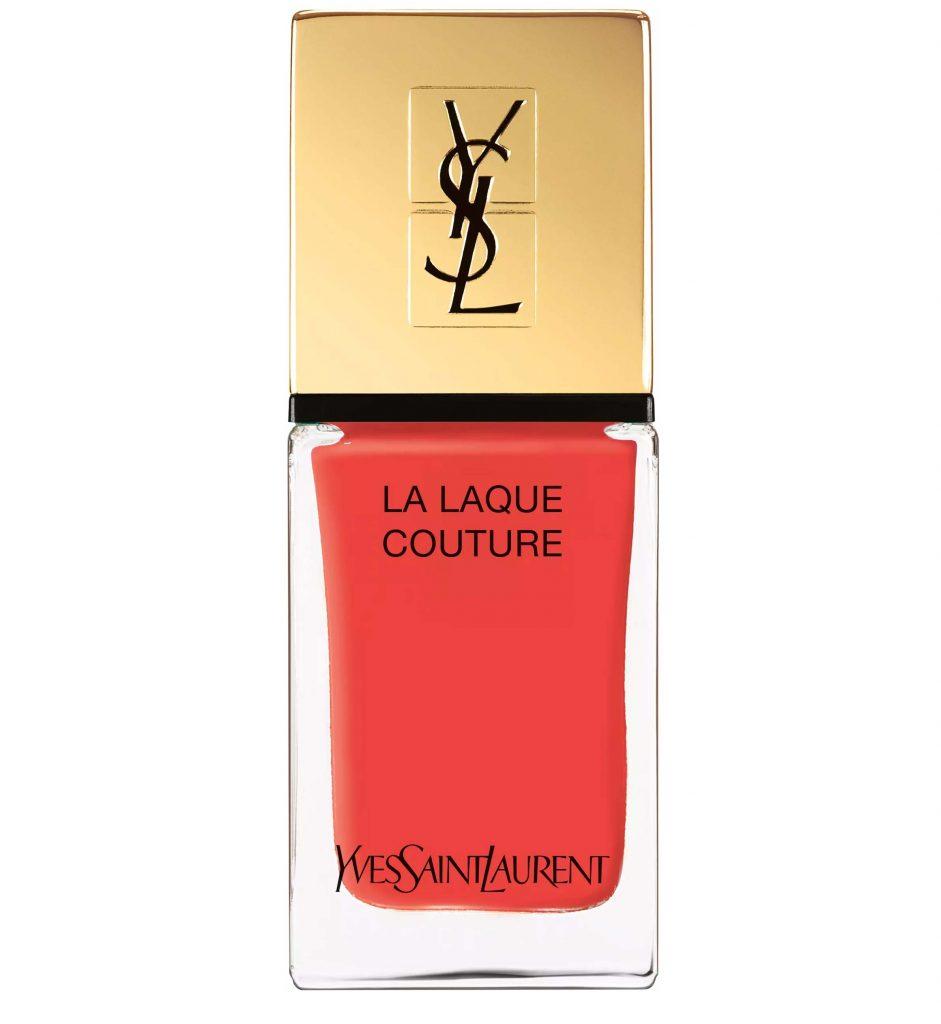 nagellack från Yves Saint Laurent i färgen 124