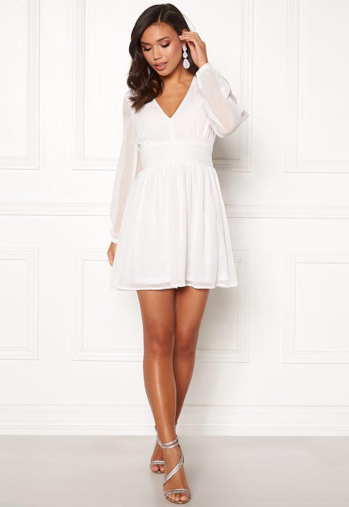 Kort vit studentklänning