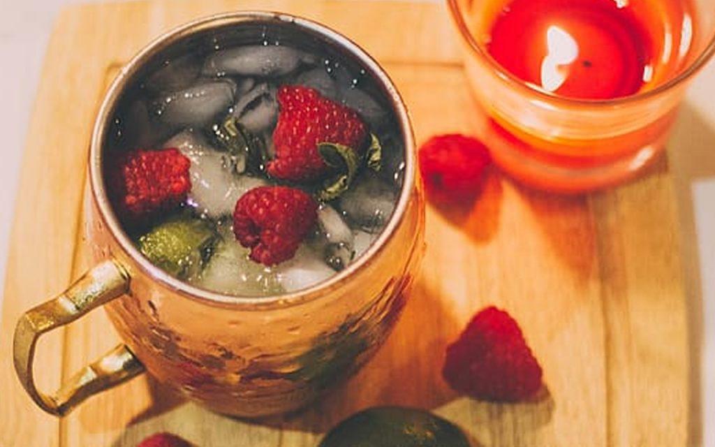 recept på drinken Moscow Mule med ginger ale och rom