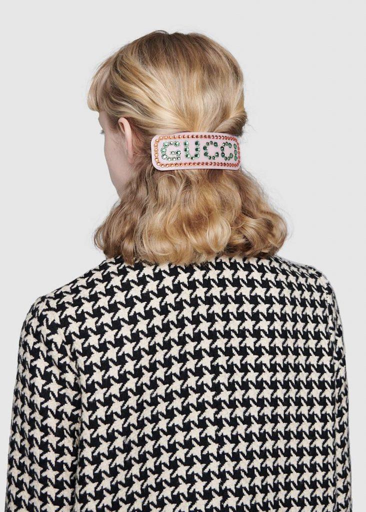 hårspänne frisyr 2020