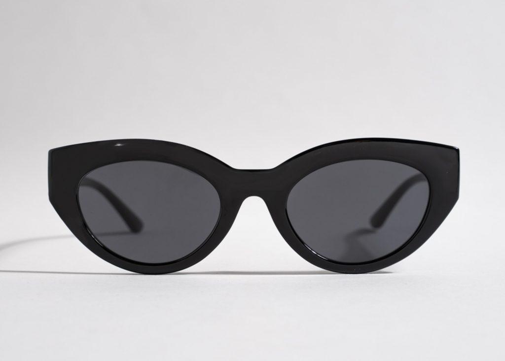 solglasögon svarta klassiska