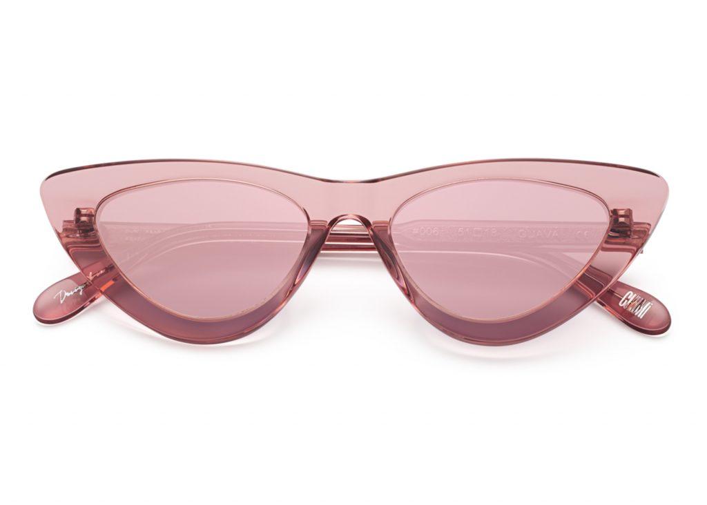 solglasögon med spegelglas för dam