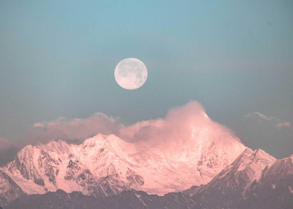 nästa fullmåne betydelse känsloliv