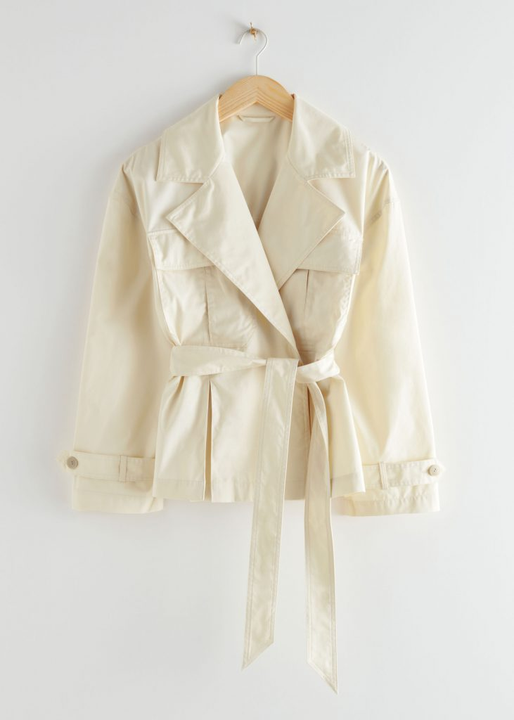 kort beige trenchcoat otherstories