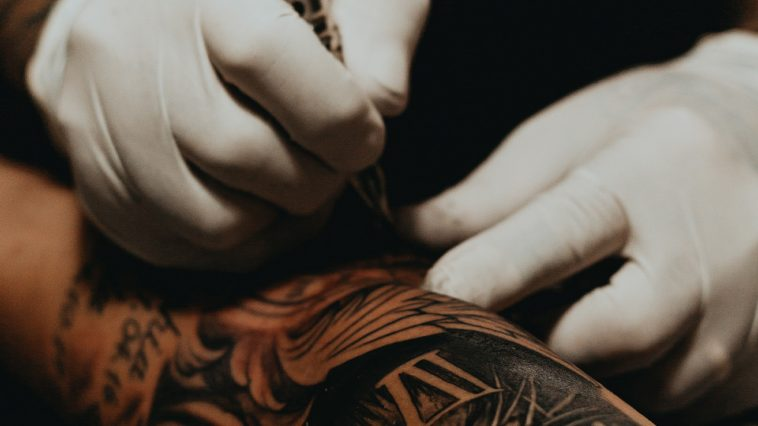 tatueringar blommor pris handled