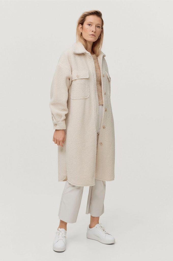 vit lång skjortjacka