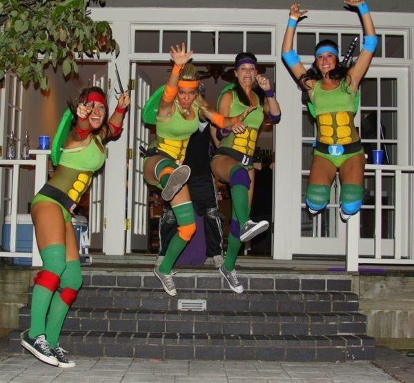 19 grymma Halloween-kostymer för hela ditt kompisgäng – VeckoRevyn 2b11eea904e24